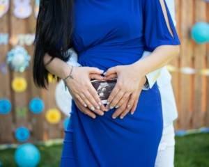 Maternity photoshoot taken by Heartfoto in 2019